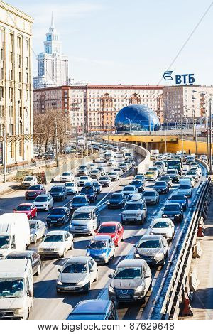 Many Cars On Leningradskoye Shosse In Spring