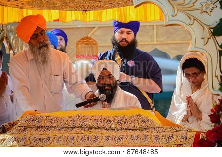 Devotee Sikh Recite Prayers