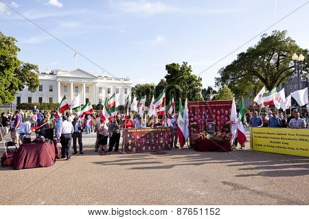 Iraqi protesters by White House