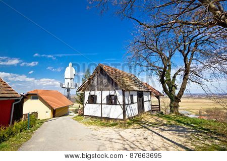 Zagorje Hills Cottage And St. Vinko Statue