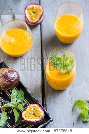 Mango with Passion fruit smoothie
