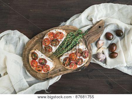 Sandwiches (brushtta) With Roasted Cherry Tomatoes, Soft Cheese,