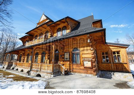 Wooden Villa Called Jutrzenka In Zakopane