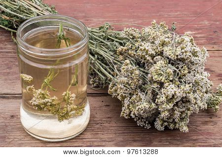 Medicinal Plant Yarrow (dried Flowers And Decoction)