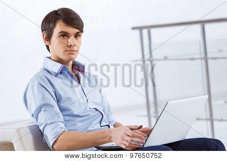 Man browsing web
