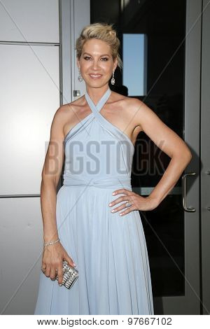 LOS ANGELES - AUG 1:  Jenna Elfman at the The Dizzy Feet Foundation`s Celebration Of Dance Gala at the Club Nokia on August 1, 2015 in Los Angeles, CA