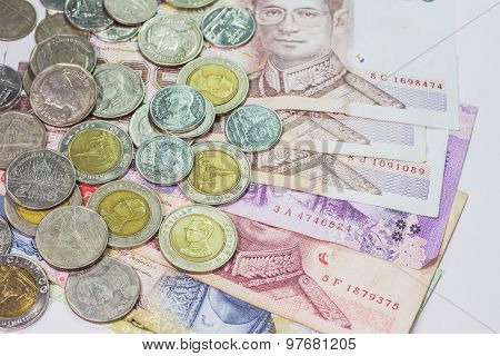 Thai bank note and coins