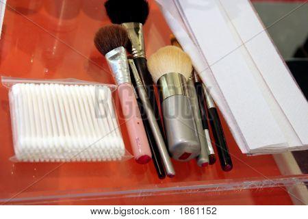 Makeup Equipment