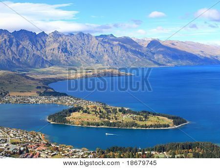Closeup Of Lake Wakatipu And Queenstown Golf Course Garden Island, New Zealand.