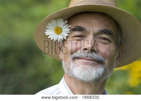 Senior lächelnd
