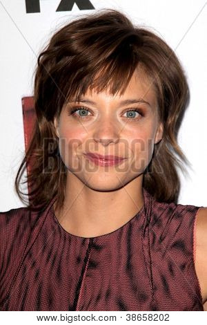 LOS ANGELES - OCT 13: Lizzie Brochere kommt in der