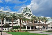 ORLANDO, FL - 6 de FEB: El Orange County Convention Center en International Drive en 06 de febrero de 2012