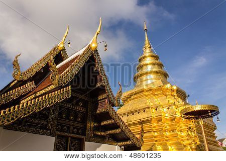 Wat Pra, dass Chomthong Vora Viharn Chedi In Chiangmai Thailand