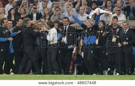 MADRID, SPAIN. 22/05/2010. The playing staff congratulate Milan's head coach Jose Mourinho on winning the  Champions League final. played in The Santiago Bernabeu Stadium, Madrid.