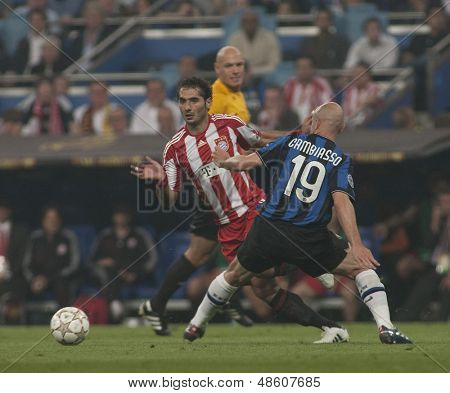 MADRID, SPAIN. 22/05/2010. Munich's midfielder Hamit Altintop and Milan's midfielder Esteban Cambiasso in action during the  Champions League final played in The Santiago Bernabeu Stadium, Madrid.