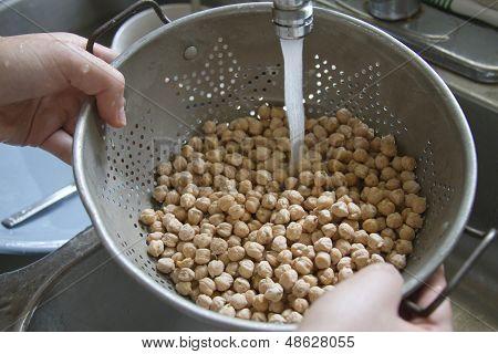 Washing Dry Garbanzo Beans
