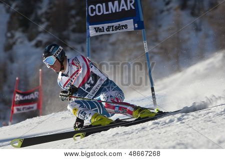 VAL D'ISERE FRANCE. 11-12-2010. JITLOFF Tim (USA)  speeds down the course during  the FIS alpine skiing world cup giant slalom race on the Bellevarde race piste Val D'Isere.