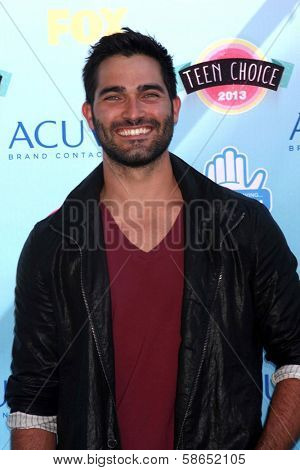 Tyler Hoechlin at the 2013 Teen Choice Awards Arrivals, Gibson Amphitheatre, Universal City, CA 08-11-13