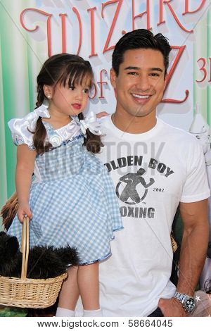 Mario Lopez and daughter Gia at