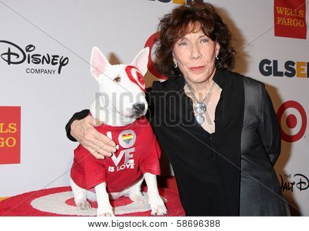 Lily Tomlin and Bullseye at the 2013 GLSEN Awards, Beverly Hills Hotel, Beverly Hills, CA 10-18-13