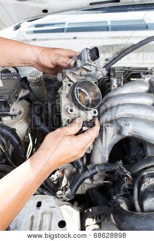repair car of  master hand