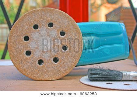 Sander disc.