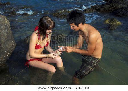 couple at hawaiian tidepools