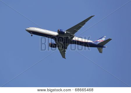 Aeroflot  Boeing 777 in New York sky before landing at JFK Airport