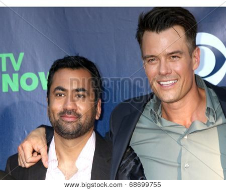LOS ANGELES - JUL 17:  Kal Penn, Josh Duhamel at the CBS TCA July 2014 Party at the Pacific Design Center on July 17, 2014 in West Hollywood, CA