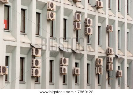 Wall Air-conditioned