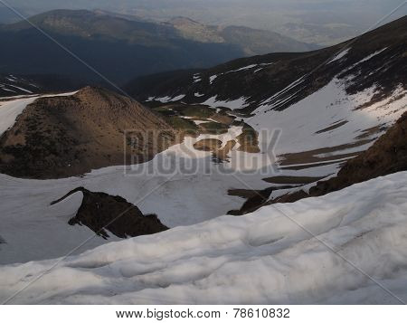Carpathian mountains 4 under snow in spring