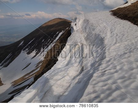 Carpathian mountains 5 under snow in spring