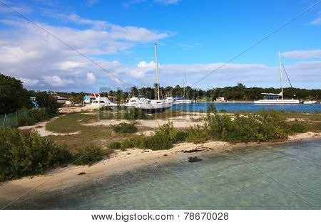 Seaport on Cayo Guillermo.