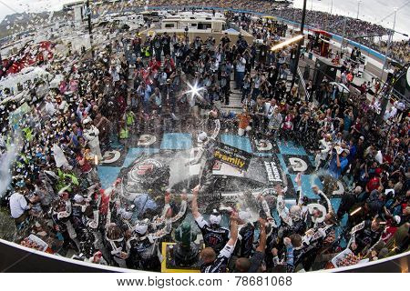 Avondale, AZ - Mar 02, 2014:  Kevin Harvick (4) wins the The Profit on CNBC 500 at Phoenix International Raceway in Avondale, AZ.