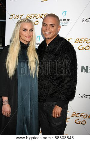 LOS ANGELES - FEB 20:  Ashlee Simpson, Evan Ross at the