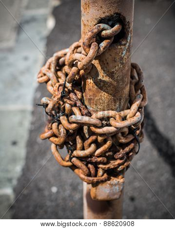 Locked Chain Post