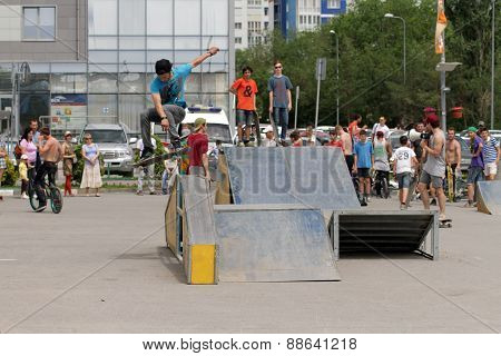 Jump through the skater's corner springboard