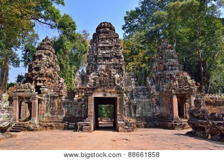 Angkor Temple Complex entrance, Siem Reap, Cambodia.