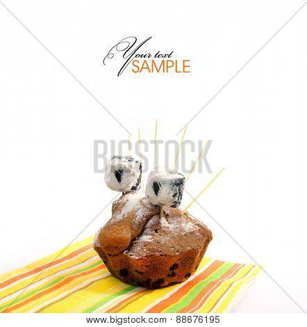 ?ake with raisins