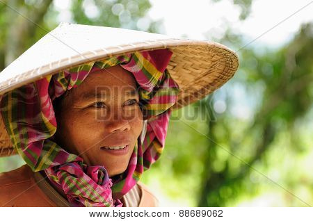 People From Indonesia, Rice Workers