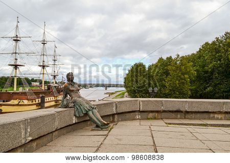 Bronze sculpture on the waterfront in Veliky Novgorod