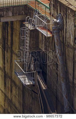 Dam Hydraulic Mechanism Detail