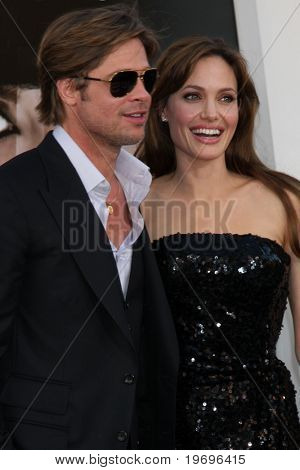 LOS ANGELES - JUL 19:  Brad Pitt & Angelina Jolie arrive at the
