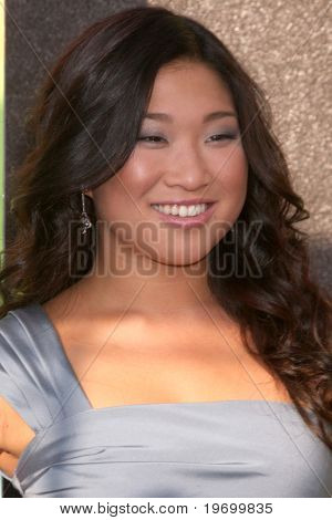LOS ANGELES - JUL 27:  Jenna Ushkowitz arrives at Fox's