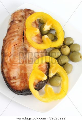 Color photograph of fish meal on a plate