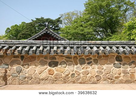 Traditional Korean Wall