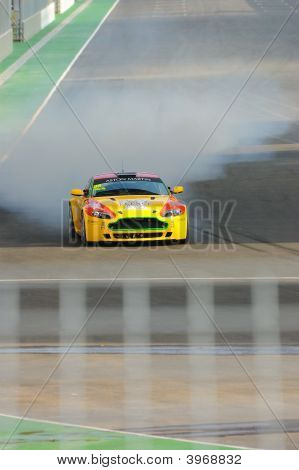 Aston Martin V8 Braking Hard