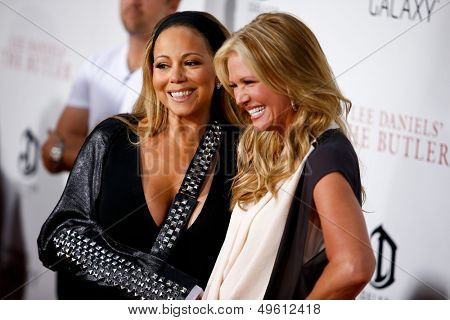 NEW YORK-AUGUST 5: Singer Mariah Carey and Nancy O'Dell (R) attend the premiere of Lee Daniels'