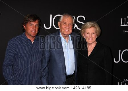LOS ANGELES - AUG 13:  Scott Marshall, Garry Marshall, Barbara Marshall at the