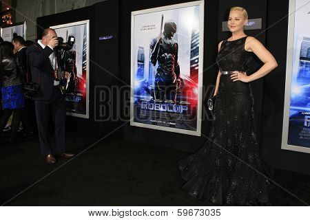 LOS ANGELES - FEB 10: Abbie Cornish at the premiere of Columbia Pictures' 'Robocop' at TCL Chinese Theatre on February 10, 2014 in Los Angeles, California